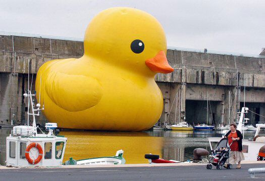 [Ginormous Rubber Duck]